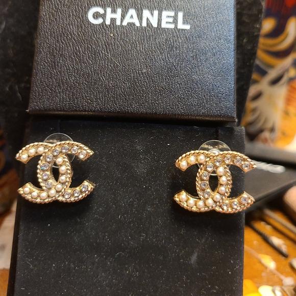 Chanel gold tone Pearl and rhinestone earrings